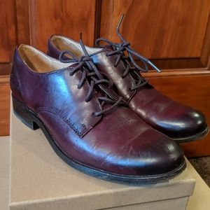 Gorgeous Frye oxfords in classic cordovan color!